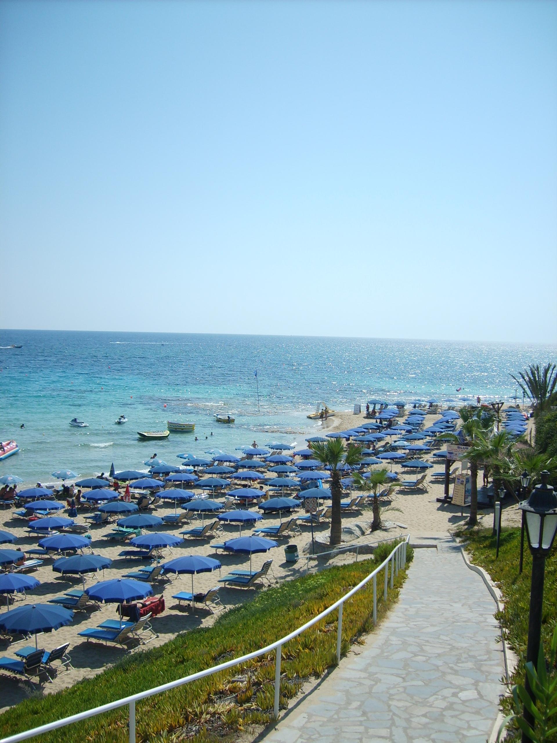 Grecian Sands Cyprus - дорога к пляжу