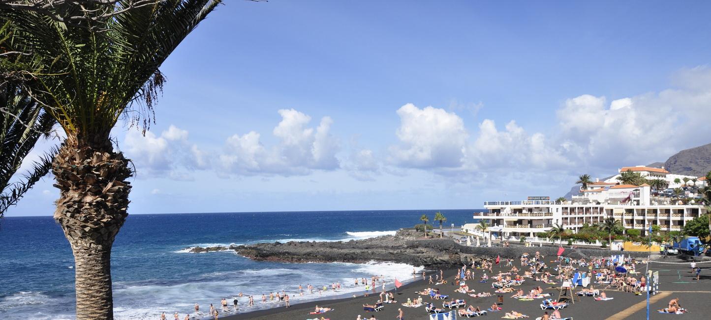 Курорт Коста Адехе в Испании - остров Тенерифе - Атлантический океан
