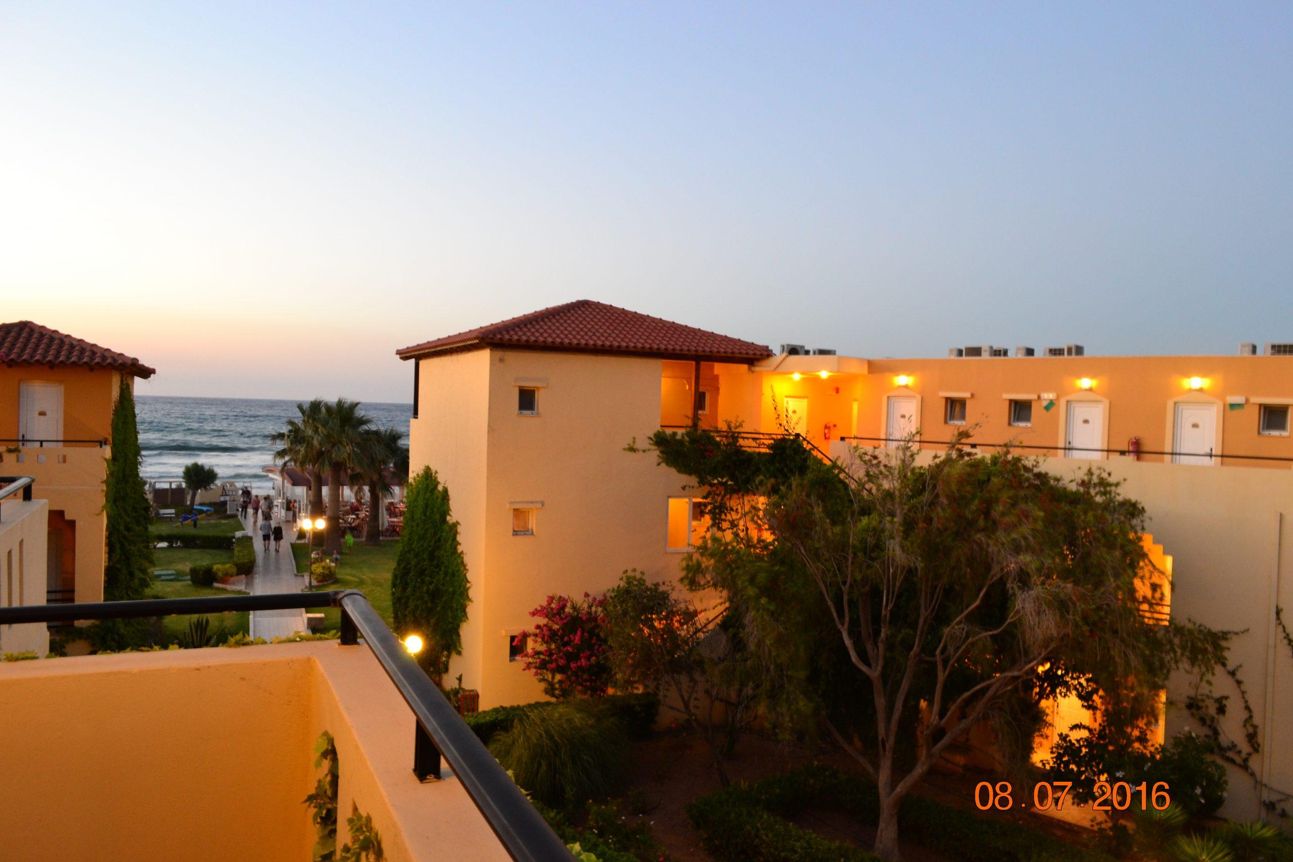 Vantaris Beach - фото на закате