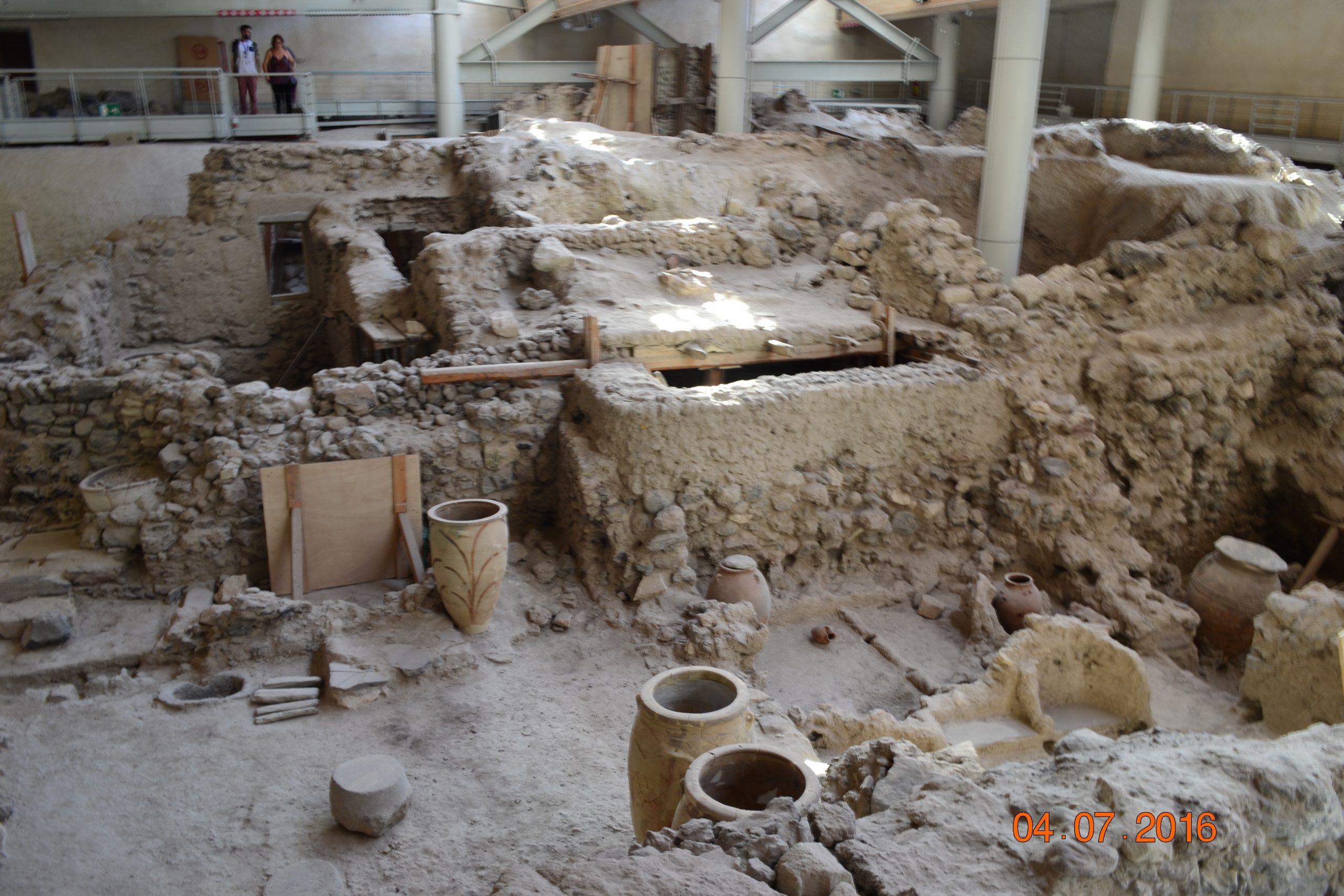Раскопки Акротири на Санторини